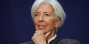 Le fmi voit une croissance solide mais prone la mefiance