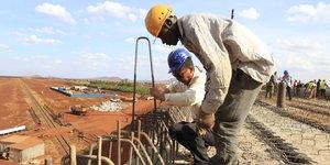 Infrastructures Kenya Chine chantier voie ferree