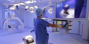 Médecine robot santé chirurgie