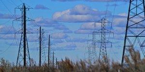 Smart Grid Réseau électrique électricité pylônes