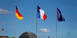 drapeaux allemand et français