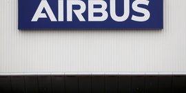 Airbus depasse les attentes au deuxieme trimestre grace a l'a350 et aux changes