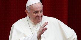 Le pape a assise en octobre, sa premiere sortie depuis fevrier