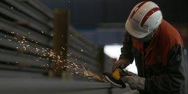 Zone euro: les industriels peinent a faire face a la demande
