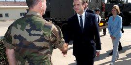 Macron annonce que les armees seront privilegiees en 2018
