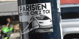 Autocollant Parisien rentre chez toi