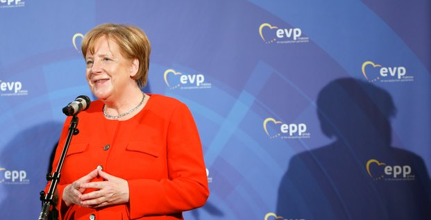 Merkel prete aux compromis avec la france sur la zone euro