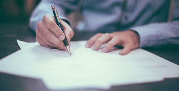 emploi, travail, signature de contrat