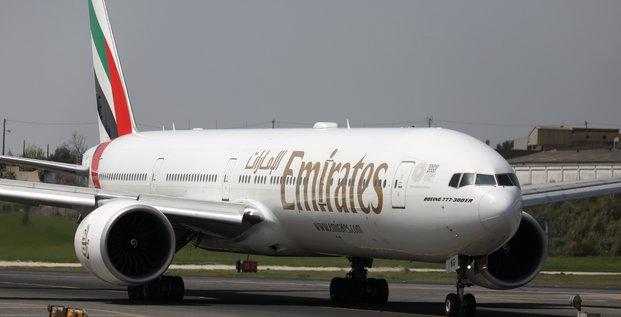 Des passagers d'un vol d'emirates malades en arrivant a new york