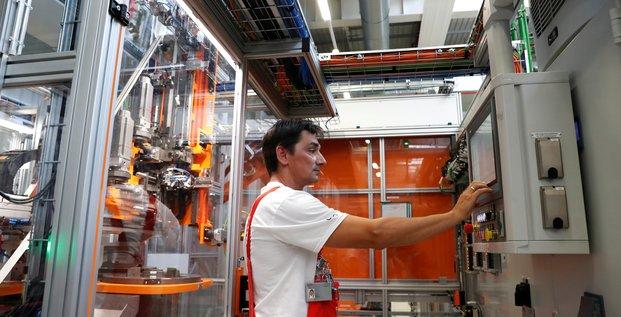 Zone euro: nouveau ralentissement dans l'industrie en octobre