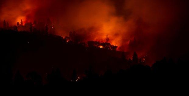 Incendies en californie: le bilan s'alourdit a 23 morts