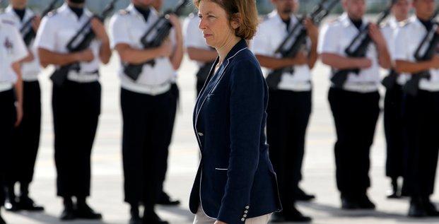 Florence parly veut rassurer sur le budget des armees