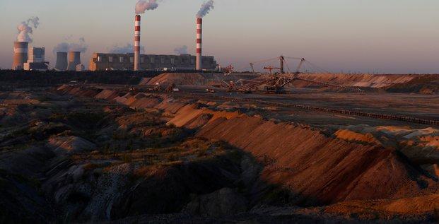 Manifestation de greenpeace dans une centrale au charbon en pologne