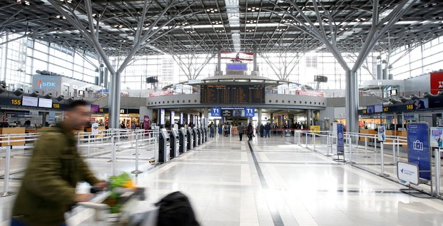 Securite renforcee a l'aeroport de stuttgart