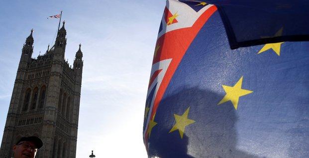 Brexit: londres investit pour renforcer les liaisons transmanche en cas de no deal