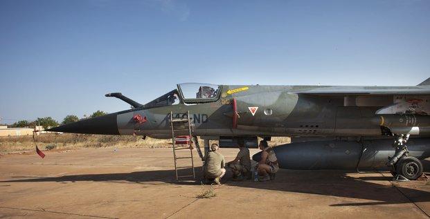 Armée française avion de chasse mirage militaires air force