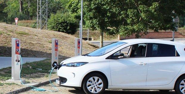 Ze-Watt dispose d'un réseau de 1 500 points de recharge