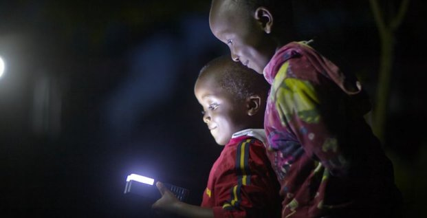 ALTDE_Tanzanie, 32,5 millions de dollars pour la start-up solaire nigériane Zola Electric lumière énergie enfant éclairage