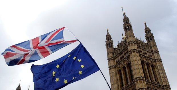 Les deputes britanniques prennent la main sur le brexit