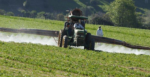 épandage chimique, champ, agriculture,