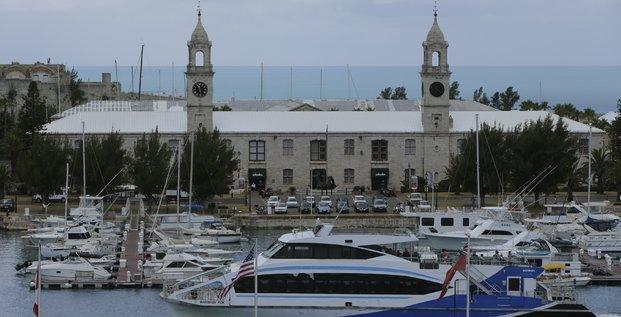 Paradis fiscaux: l'ue retire les bermudes, aruba et la barbade de la liste