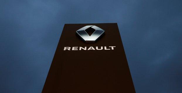 Renault va etudier avec interet le projet de fusion avec fiat