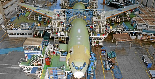 The A330/A340 final assembly line is located at the Toulouse/Blagnac Airport in France, which also is home to Airbus? A320, A380 and A350 XWB assembly facilities