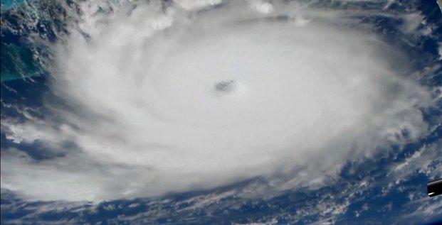 L'ouragan dorian, desormais en categorie 5, frappe les bahamas
