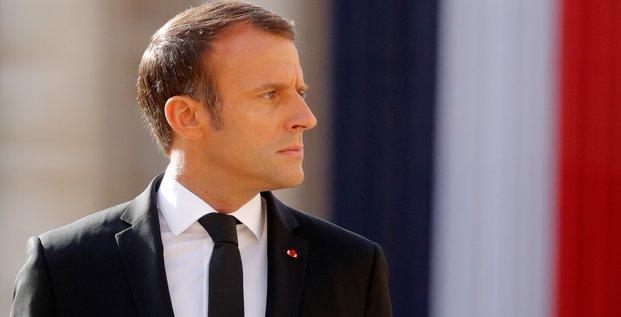 Macron plaide pour un retrait du soudan de la liste noire americaine