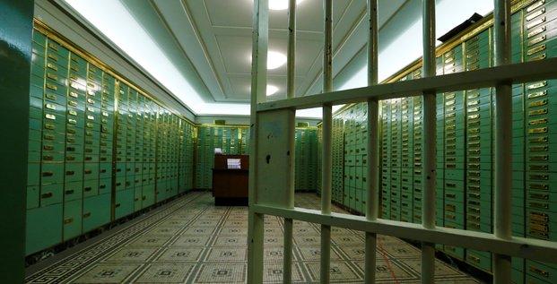 Chambre forte, argent, dollar, euro, billet, monnaie, coffre-fort, banque, Suisse, fisc,