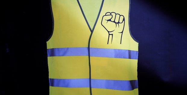Gilets jaunes: du sursis requis contre un policier a paris pour violence