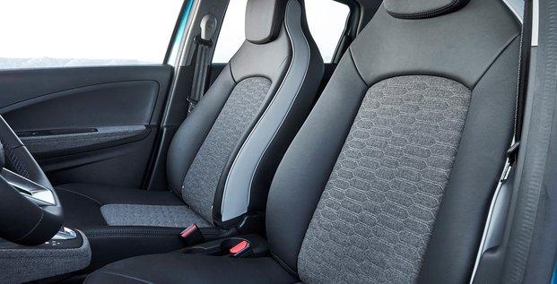 Au total, une surface de 8 m2 de l'intérieur du véhicule est couverte de tissus en fibres recyclées