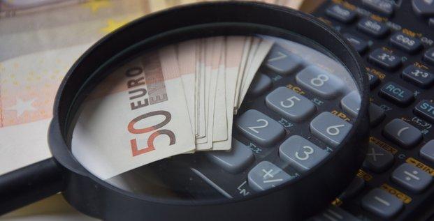 Illustration calcul, argent, calculette