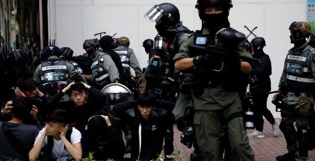 Echauffourees a hong kong, des dizaines d'arrestations