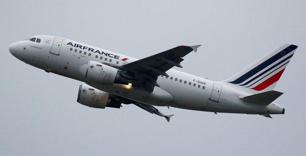Retraites: air france prevoit d'assurer tous ses vols lundi et mardi