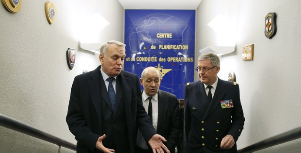 Jean-Marc Ayrault, Edouard Guillaud, Pierre-Yves Le Drian
