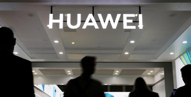 Telecoms: les usa s'en prennent a nouveau aux chinois huawei et zte