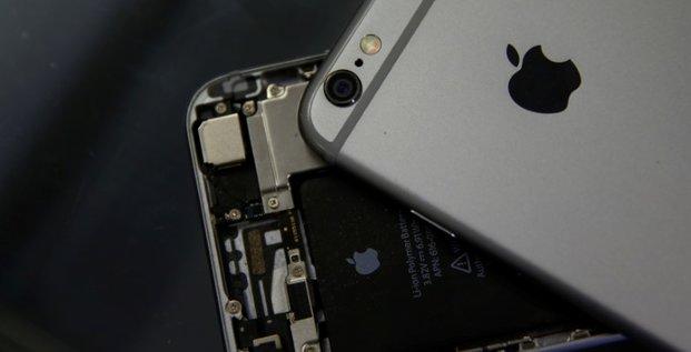 Apple: forte demande de batteries de remplacement d'iphone