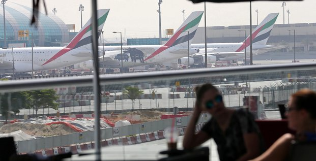 Aviation Emirates airlines aéroport avions passagers