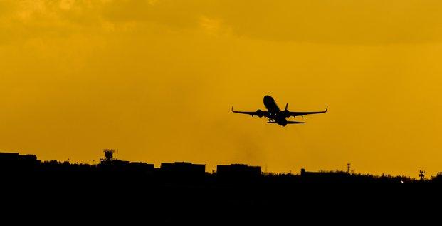 Illustration avion, transport aérien, aéronautique