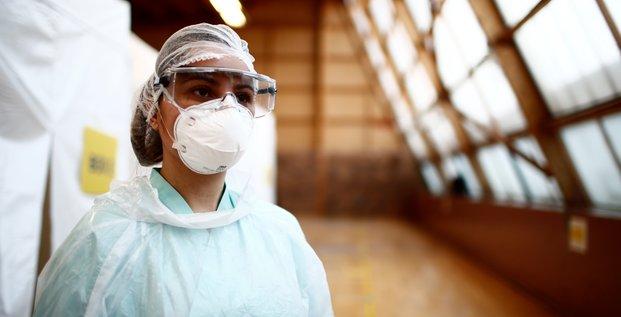 Apprentissage accelere pour les internes mobilises contre le coronavirus