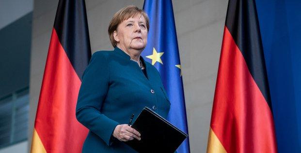 Merkel laisse entendre que le confinement sera prolonge