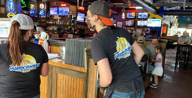 Usa: diner au restaurant autorise dans certaines zones de californie