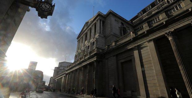 La banque d'angleterre etudie l'impact des taux negatifs a l'etranger