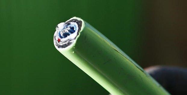 L'arcep veut developper l'acces des tpe/pme a la fibre optique