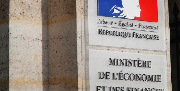 Bercy juge excessif le chiffre des suppressions d'emplois annoncees par airbus