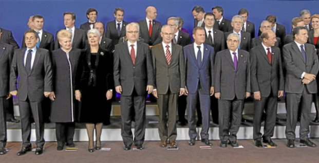 Croatia's Prime Minister Jadranka Kosor (4th L), President Ivo Josipovic (5th L) and European Council President Herman Van Rompuy (6th L) pose with EU leaders after signing the European Union accession treaty at a EU leaders summit in Brussels December 9, 2011. Croatia is set to become the bloc's 28