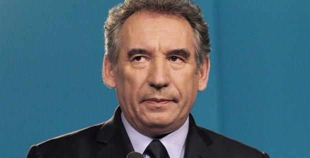 Bayrou forcé de lâcher son fief béarnais