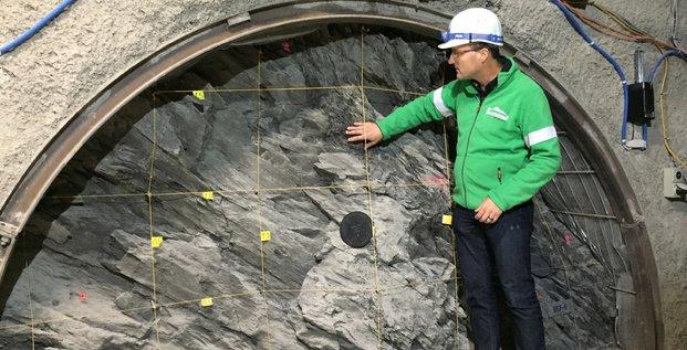 Un projet de recherche a été lancé au laboratoire du Mont-Terri (Jura, Suisse) afin d'étudier les possibilités de stockage du CO2 dans le sous-sol.