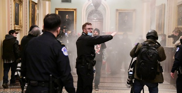 Usa: des partisans de trump sement le chaos a washington